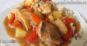 свинина с красным перцем и ананасами в кисло сладком соусе