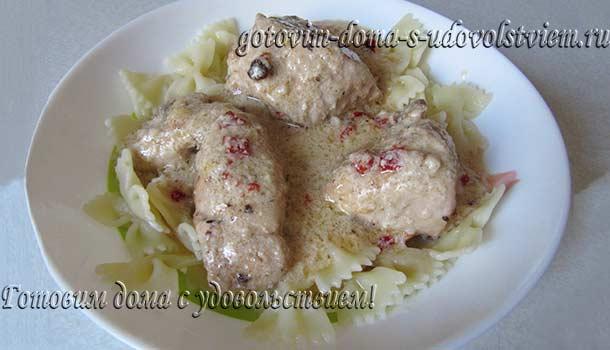 курица в молочном соусе на сковороде