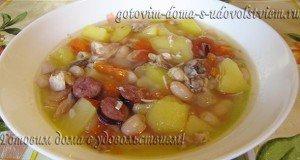Айнтопф - немецкий суп с курицей, фасолью и колбасками