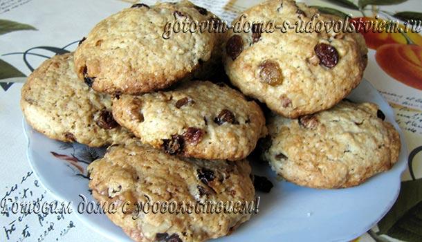 овсяное-печенье-с-изюмом-и-орехами