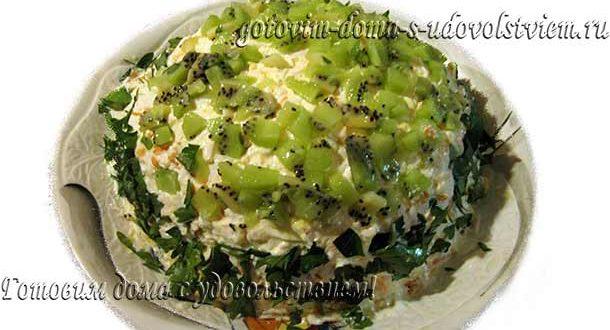 салат-с-курицей-и-грибами-рецепт
