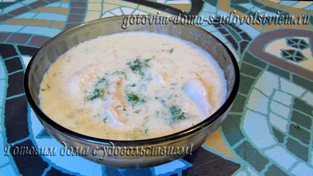 рецепт куриной грудки на сковороде в сметанном соусе