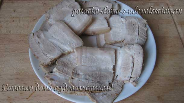 как приготовить свиную грудинку в духовке сочно и вкусно