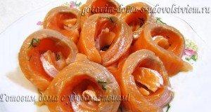 Форель, маринованная с мандаринами
